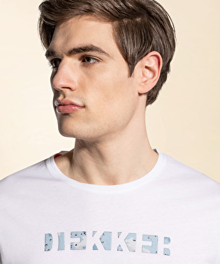 T-shirt with prints on its front | Dekker
